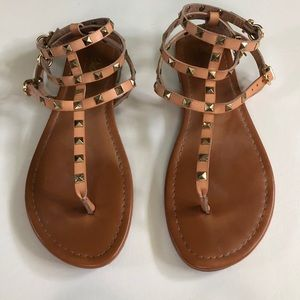 Mossimo gladiator sandals in tan with gold studs